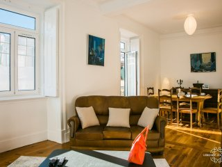 Ap33 - Brand new apartment 3 bedrooms with AC, 5 min from Baixa / Chiado
