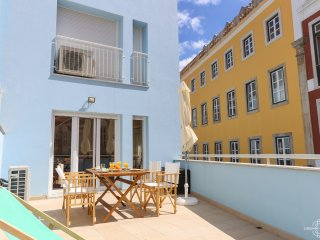 Principe Real Terrace 2 by Lisbonne Collection