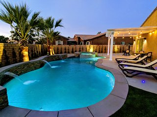 NEW: Pool Fence. Golf/Private Pool/Spa 4 BR 3 BA