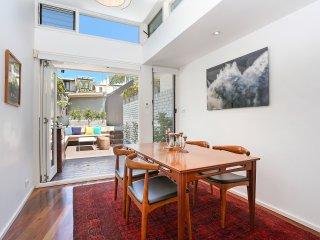 Modern 4br Paddington Terrace in prime location