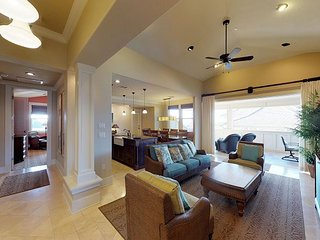Most In-Demand Villa on the South Shore! 4 bedroom Ocean View Penthouse! a300