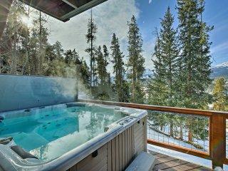 Chalet w/ Hot Tub < 3Mi to Breck Main St & Gondola