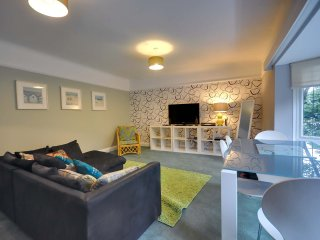 27A Durley Chine - First floor apartment with garden near the beach