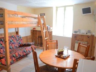Residence de tourisme ' Aux Volets bleus d'Aulus ' Le Happy Family