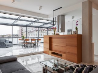 Luxury Penthouse with Glass Terrace Panoramic View City Center