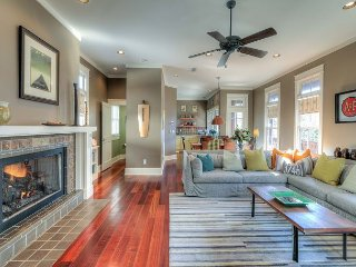 A&P Cottage - Pet Friendly in the heart of Rosemary Beach!!