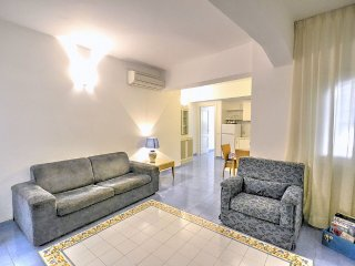 Amalfi Villa Sleeps 5 with Air Con - 5504504