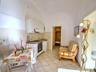 Amalfi Villa Sleeps 3 with Air Con - 5504505