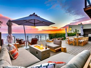 AMAZING LOCATION, Beachfront Masterpiece-Private Jacuzzi, Endless Ocean Views