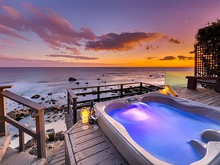 Oceanfront Beauty, Private Jacuzzi, Endless Ocean Views