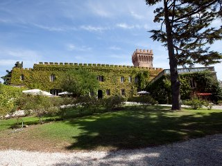 Castello Verdi 26 - Wonderful 16th century castle in the hills of Tuscany