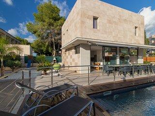 New Gran Villa Iola