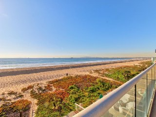 Upscale oceanfront retreat with modern home conveniences - steps to beach!