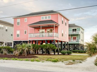 Reduced! 6BR Garden City House Across from Beach!  12 Beds!