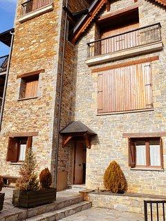 Haya- Apartamento de 2 Dormitorios y 1 Bano (14BA)