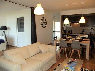 Ravissant appartement au calme et proche du centre ville avec une aperçue bassin