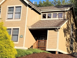 Poconos Town-home Retreat for Families
