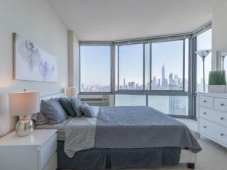 BREATHTAKING NYC SKYLINE VIEWS,2B 2BA,BEST APT-ZEN SUITES-33QB