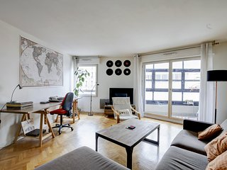 66. LOVELY 1BR WITH BALCONY BY PLACE DE LA COMMERCE
