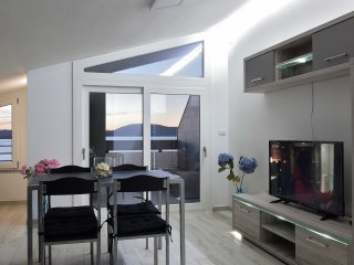 EXCEPTIONAL ATTIC  WITH BREATHTAKING VIEW - WIFI
