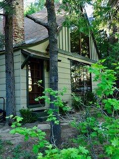 Rustic 1926 Lodge Style Cabin + Spa + Ski Boat Opt