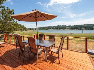 Wonderful walkout waterfront Fisherman Bay home with views of Lopez Village