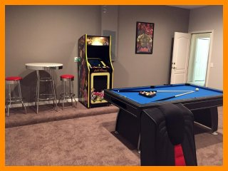 Solterra Resort 1 - Luxury villa with private pool and game room near Disney