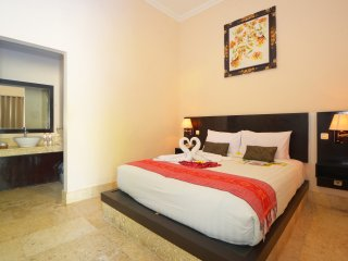 Legian Guest House Deluxe Room only with Free return Airport transfer