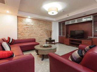 Sukhumvit Soi 11 / 3 Bedroom 200Sqm / Spacious / Central