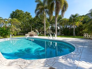 Historic Spanish Villa w/ HUGE Pool & Water Views! Everglades Bluegrass Festival