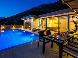 Romantic Secluded Luxury Villa Donat Trio, with Heated Indoor Pool, KAV412
