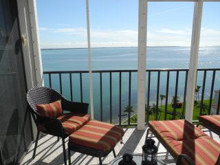 million dollar views - waterfront penthouse unit