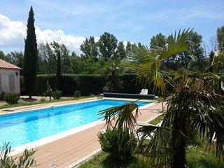Villa Roussillon 6-12 personnes, piscine chauffee,clim, sauna, cuisine externe