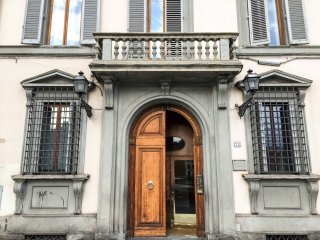 Lungarno Flat in the Heart of Florence