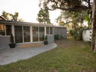 4/3 Villa with pool! Huge corner lot with plenty of parking space!