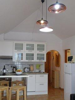 salón con WIFI fibra optica gratis, techos altos, camaras de vigilancia 24h.