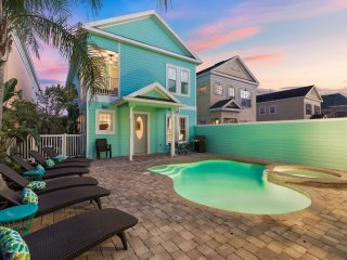 New FUN Luxury | 6 Bed Villa w Custom Kids Bedroom w slide, Games Room and More!