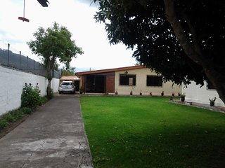Cozy country side house close to Quito