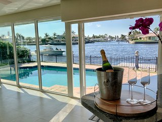 Private Slice of Luxury on the Intercostal w/heated pool, minutes to beach