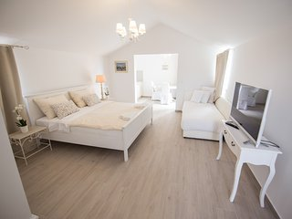 White Orchid M3, brand new studio for 2 persons