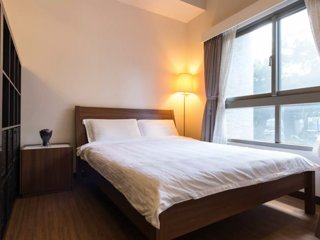 Brand-New Studio C In City Center. 1 Min to Metro Station.