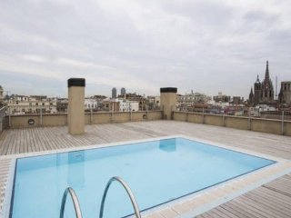 In the heart of the Gotic Quartier with swimming pool and gym