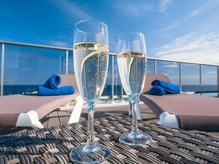 Espectacular!! Ático 'El Faro' con jacuzzi privado y vistas al mar