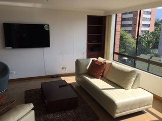 3BR Big Apartment Cool Area Close To Best Mall PinaresCastillo