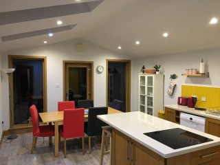Elie Earlsferry Townhouse nr beach 4 bedrooms large kitchen secure sunny garden