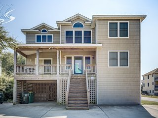 Wine Down: 7 BR / 7 BA seven bedroom house in Corolla, Sleeps 18