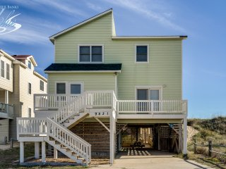 Derrycon | Oceanfront | Private Pool, Hot Tub