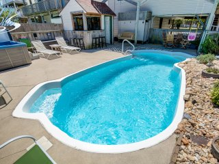 Six Pack   1169 ft from the beach   Dog Friendly, Private Pool, Hot Tub