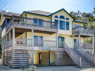 Coral Reef Treat: 7 BR / 5.1 BA seven bedroom house in Corolla, Sleeps 16