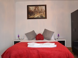 Your new place for your perfect Holiday near historical City of London RM1